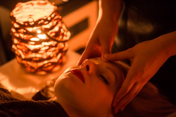 Massage visage et tête